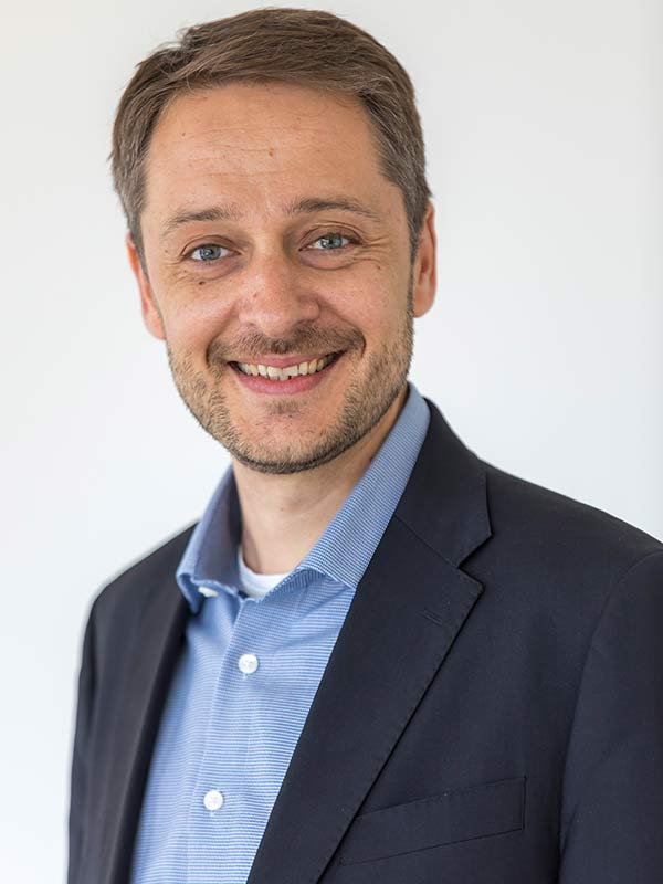 Dr. Tobias A. Schneider